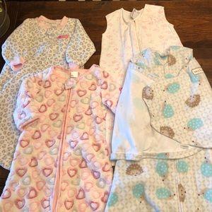 4 Baby sleepers/wraps